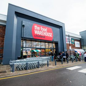 Tuesday  07 November 2017  Pictured: General view of the exterior of the store  Re: The Food Warehouse is opening its first store in South Bristol.  The Food Warehouse offers great value, family-favourite products across frozen, chilled, fresh, branded grocery and homeware lines. Customers can make big savings with ÔCase SaversÕ, where bulk savings are passed directly onto shoppers on everyday products from brands such as Heinz, Pepsi and Capri-Sun. The Food Warehouse also has a number of exclusive partnerships with brands including Slimming World, Pizza Express and MillieÕs Cookies.